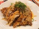 さっくり鶏パイコーの汁なし花椒担担麺