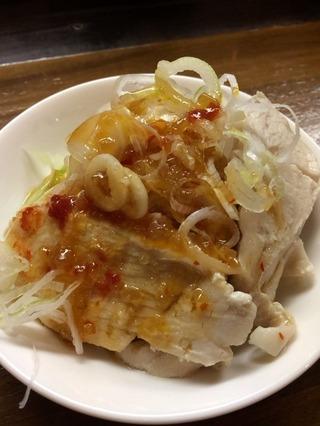 蒸し鶏のピリ辛ソース