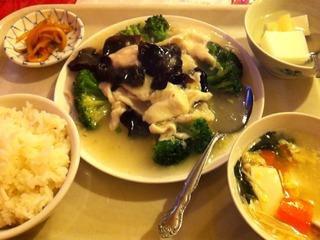 鶏肉とブロッコリー炒め