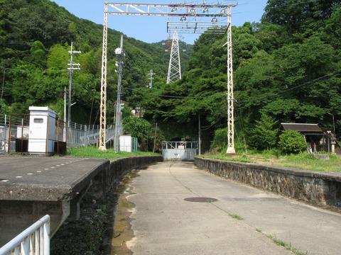 旧孔舎衛坂駅
