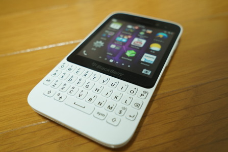 BlackBerry_Q5_front