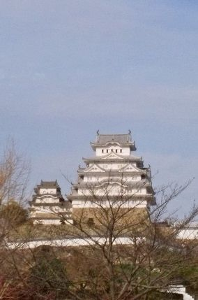 白鷺城と秋の空