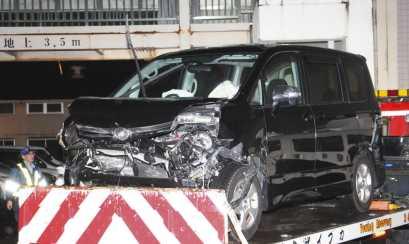 43f9e0e7 成人式終えたばかりの20歳男が運転する男女8人乗ったミニバンが衝突事故を起こし来年成人を迎える19歳女性が死亡