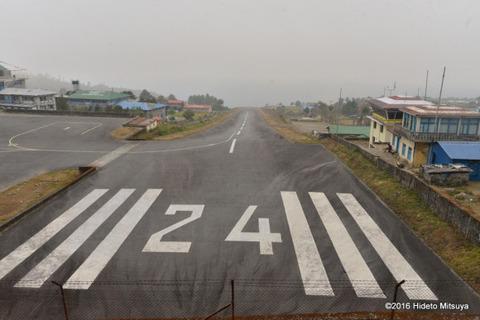 07ccc1bc-s 何でこんな場所に作ったんだって空港