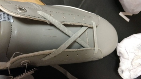 靴紐の通し方が分からなくて2時間経ってるわけだが(※画像あり)