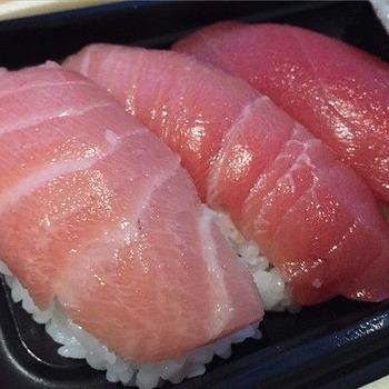 【悲報】俺君、ちょっと奮発して高級寿司に行って絶望するwww