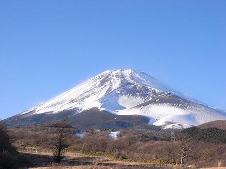 富士山の山頂部分に出来て欲しい施設ランキング 3位「サイゼリア」2位「丸亀製麺」 第一位は????