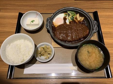 やよい軒で490円の味噌カツ食べてきたンゴwww(※画像あり)