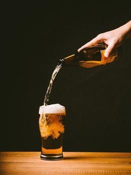 平日仕事終わりワイ「さー帰ってビール飲みながら晩飯や!」