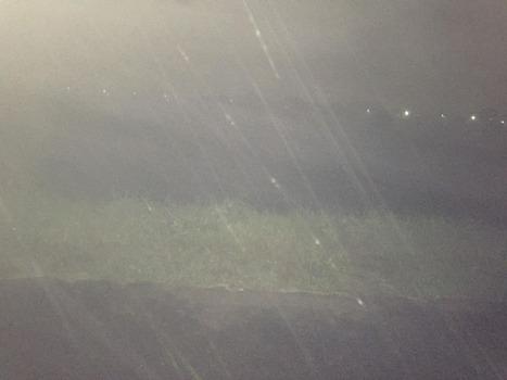 台風で最寄りの川が大増水してる写真を近距離で撮ってきたから貼るぜ → これは落ちたら死ぬ・・・(※画像あり)