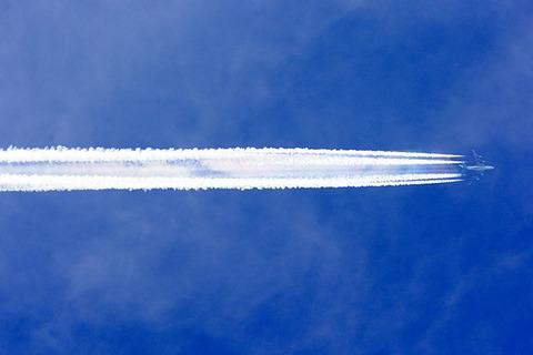 【詩】飛行機雲の彼方の勝算。 ~ 作:藍沢 篠