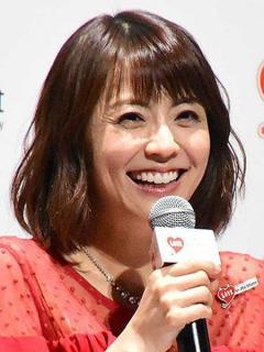 「小林麻耶 」4歳下男性と結婚発表!