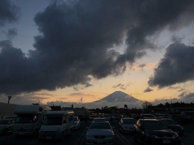 富士山とHORUEVA号