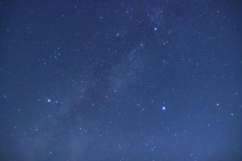 ブログ用天の川と夏の大三角IMG_4544_ISO1600_30s_17mm編集