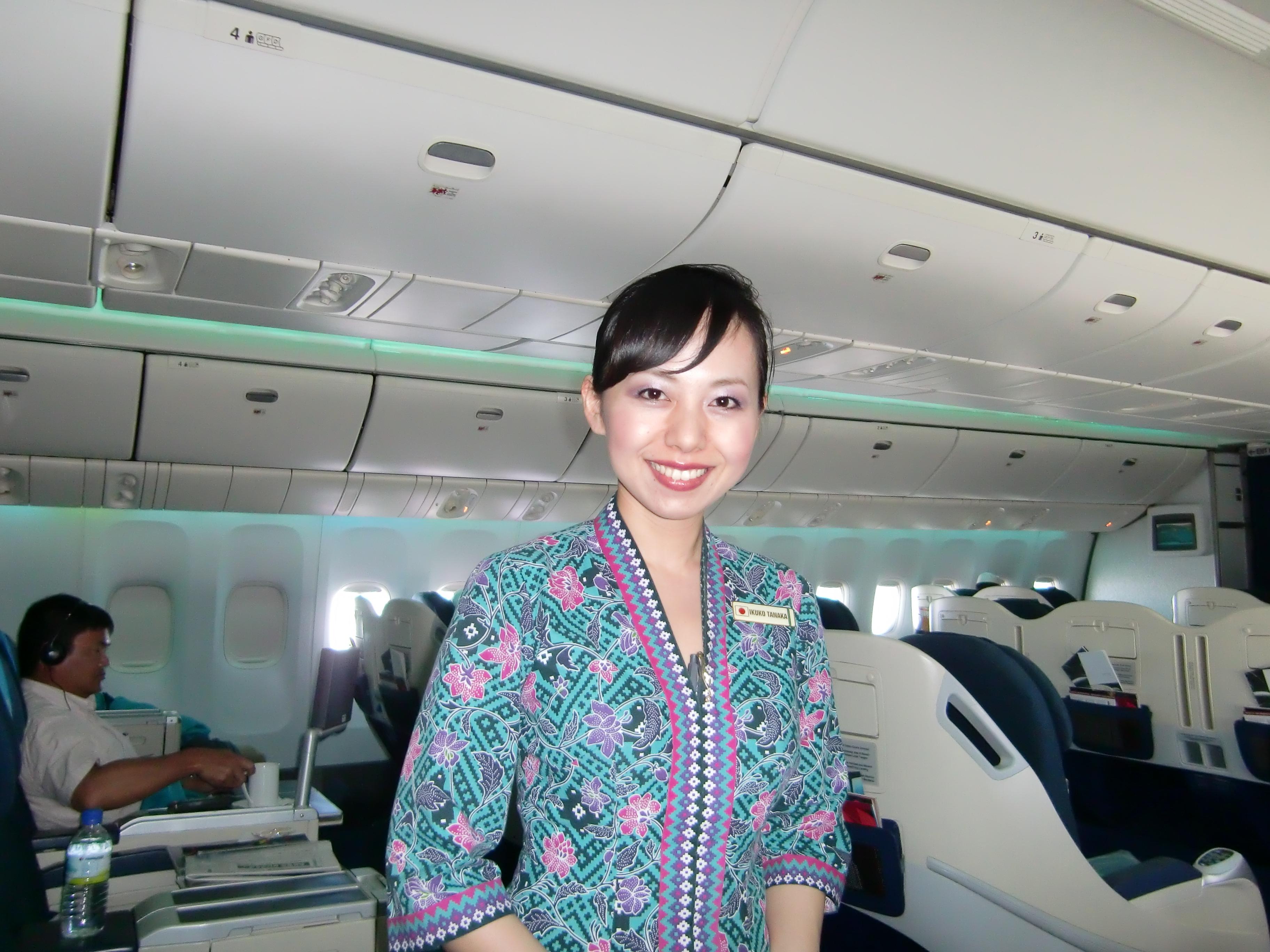 NAVER まとめマレーシア航空・美人CAの画像とマレーシア機消息不明ニュースリンク集
