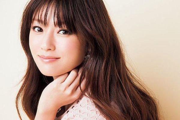 【若さの秘訣】アラフォー・深田恭子の美と若さの秘訣には○○!