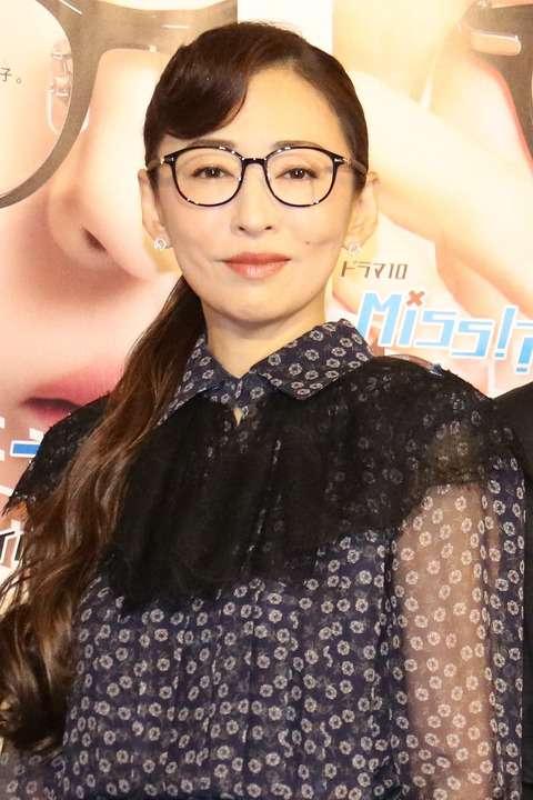 【艶美】 松雪泰子:主演ドラマの決めぜりふは「私、失敗しちゃった」 顔のアップに「勇気を振り絞って」 美の秘訣