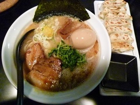えび塩らーめん+味玉+特製餃子