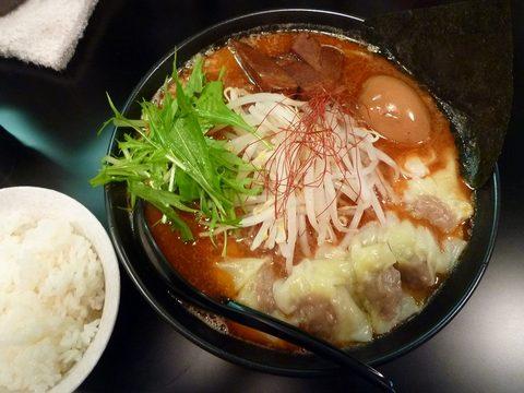 虎一 辛味噌らーめん+玉子+肉ワンタン