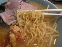 寶龍・ザンギラーメン・麺