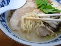 逸刀流らーめん・麺