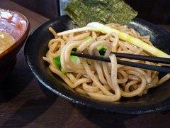 名人房 麺