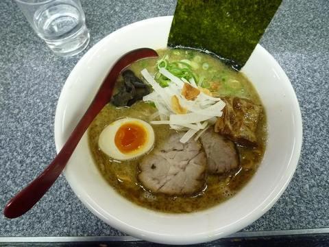 ぼの マー油とんこつ+○特(半煮玉子+黒豚)