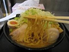 清勝丸 濃厚味噌・麺