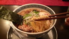 中村屋鶏辛麺・麺