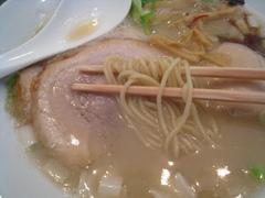 胡心房・麺
