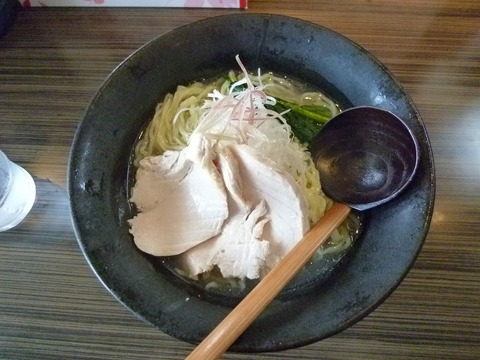冷たい鶏塩らー麺