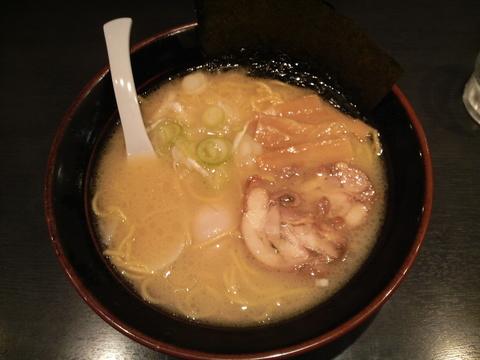 古寿茂・鶏白湯らーめん・塩+味付玉子