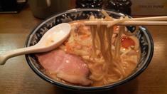 ひぐま軒味噌玉らーめん・麺