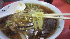 栄栄軒・サンウーマーメン 麺