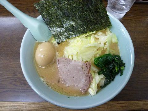 とんぱた亭・ラーメン+キャベツ+半熟味付玉子