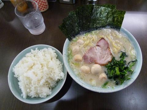塩ラーメン+うずら玉子+ライス(小)
