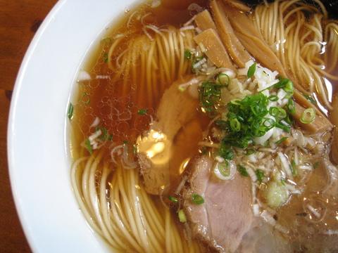 麺や食堂・スープ近影