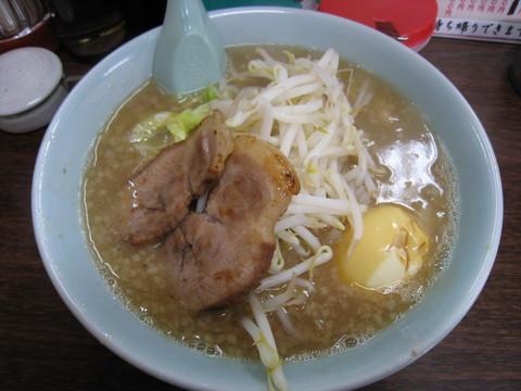 三浦屋・とんこつモヤキャベ半ラーメン+半熟卵