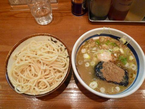 大勝軒横浜駅西口店・特製もりそば(麺少なめ)+味付け玉子+無料