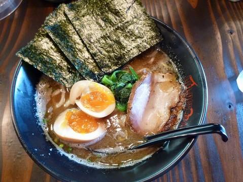 jun−pei煮干豚骨醤油らーめん+味付け玉子