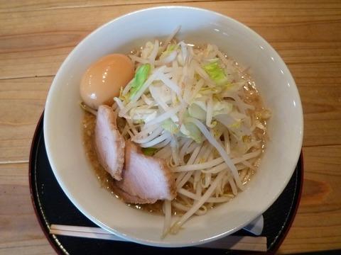 JIRORAMOとんこつ醤油ラーメン・小+味玉