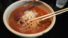 ボスウェル味噌火山・麺