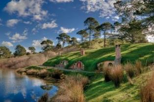 lord-of-the-rings-hobbiton-movie-set-tour-in-rotorua-50146[1]