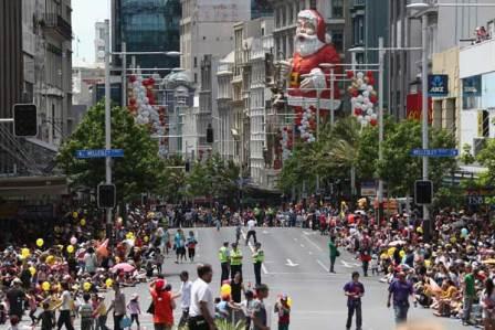 241113-santa-parade[1]