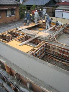 基礎立上り部のコンクリート打ち1
