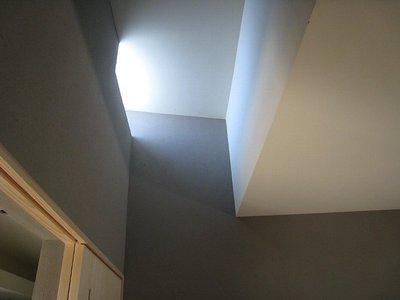 寝室の高窓