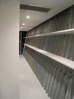 1階棚板取付け