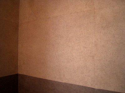 柿渋の手漉き和紙の重ね貼り