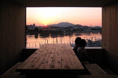 夕陽の中の二人