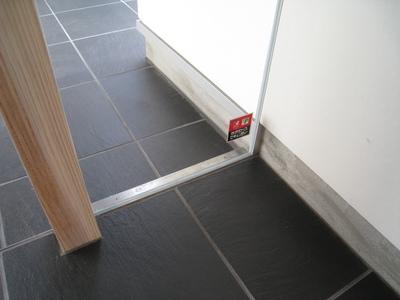 玄関ドア-2